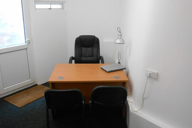 Office to let in Market Place, Willenhall