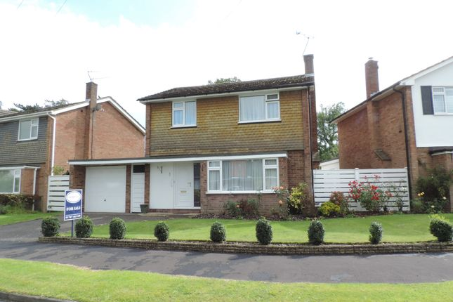 3 bed detached house for sale in Grangewood, Potters Bar