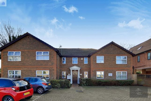 1 bed flat for sale in Yeoman Court, New Heston Road, Heston TW5