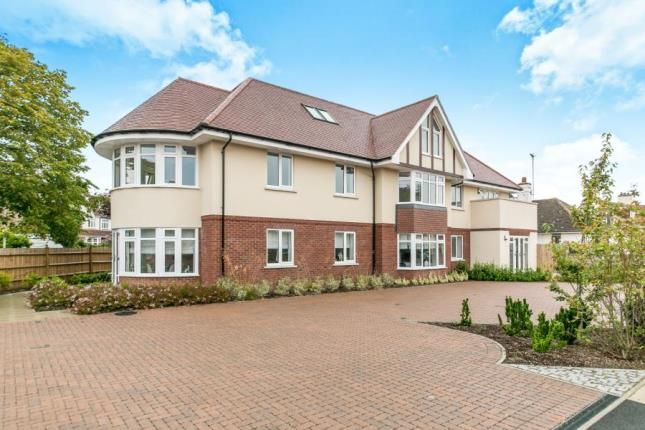 Thumbnail Flat for sale in Queens Road, Frinton-On-Sea