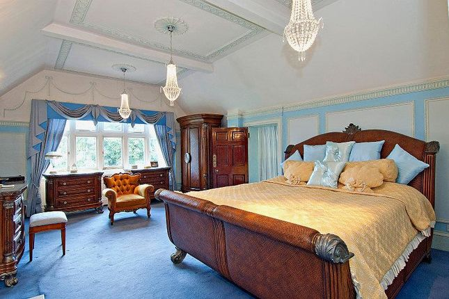 Master Bedroom: of Kingswood House & Queenswood, Clay Hill, Enfield EN2