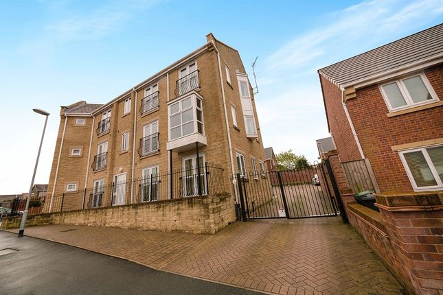 Thumbnail Flat for sale in Ashby Gardens, Hyde