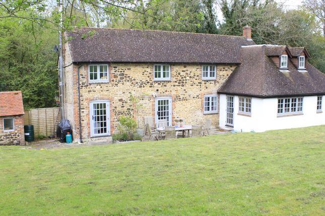 Thumbnail Cottage to rent in Lampard Lane, Churt, Farnham