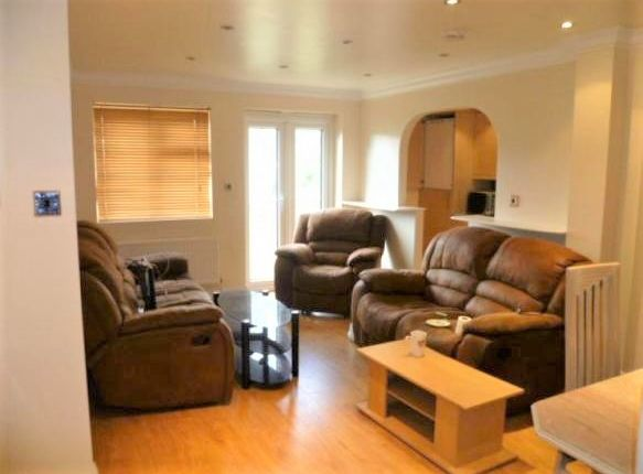 Thumbnail Flat to rent in Dornton Road, Balham