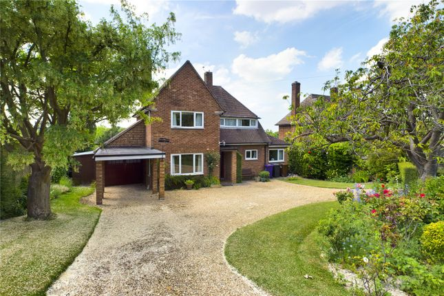 3 bed detached house for sale in Priory Close, Royston SG8