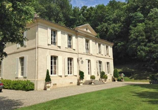 9 bed country house for sale in Rural Location Near Agen, Lot Et Garonne, France