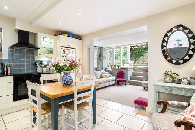Flat for sale in Chiswick High Road, Chiswick, London