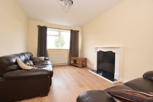 2 bed flat to rent in Station Road, Kippax, Leeds, West Yorkshire LS25