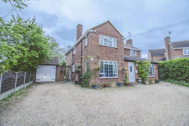 Thumbnail Property for sale in Grenville Close, Burnham, Slough