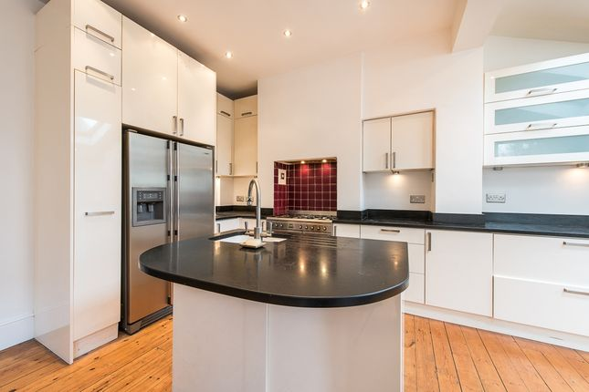 Thumbnail Terraced house to rent in Coldfall Avenue, London
