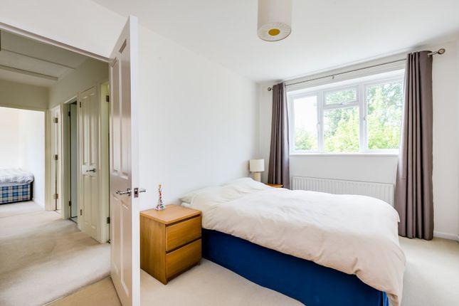 Bedroom of Scrutton Close, London SW12