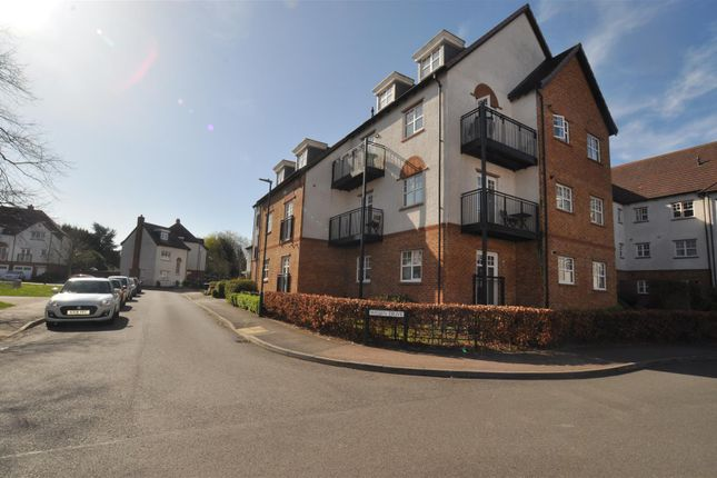 2 bed flat for sale in Wissen Drive, Letchworth Garden City SG6