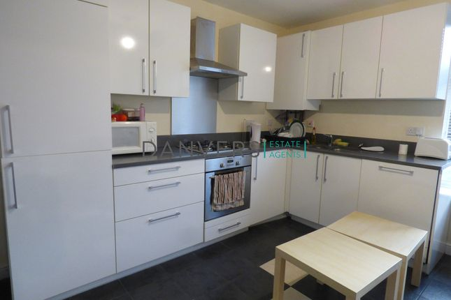 Thumbnail Flat to rent in Noel Street, Leicester