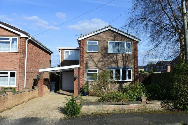 Thumbnail Detached house to rent in Reedings Road, Barrowby, Grantham