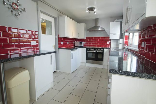 Thumbnail Property to rent in Medway Road, Gillingham, Kent