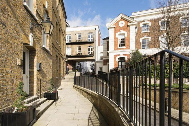 2 bed flat for sale in Upper Hampstead Walk, London