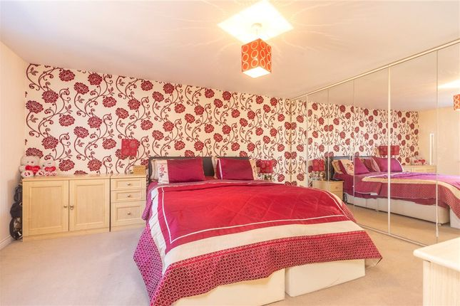 Bedroom 1 of Gloucester Avenue, Shinfield, Reading RG2