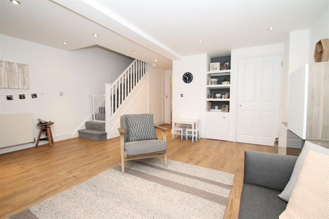 Thumbnail Town house to rent in Pickard Close, Southgate, London