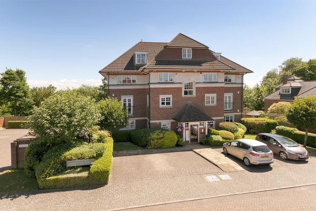 Thumbnail Flat for sale in Sandringham Court, Admiral Way, Kings Hill, West Malling