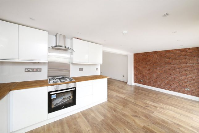 Thumbnail Semi-detached bungalow to rent in Bywood Avenue, Croydon