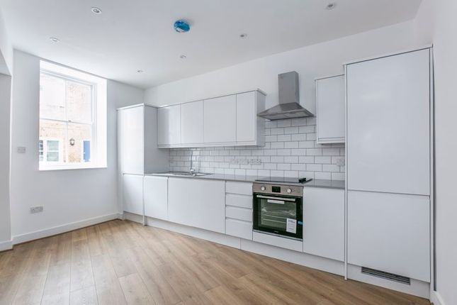 Thumbnail Flat for sale in Stunning New Apartment- Flat 3, Chequers House, Park Street, Hatfield