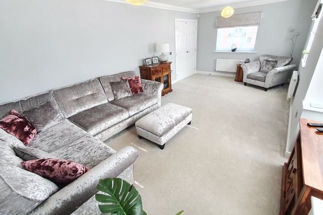 Thumbnail Detached house for sale in Paddock Way, Kingswood, Hull
