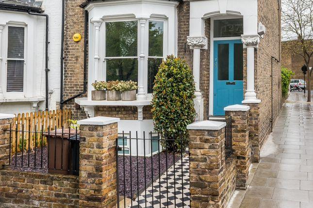 Thumbnail Flat for sale in Brooke Road, London