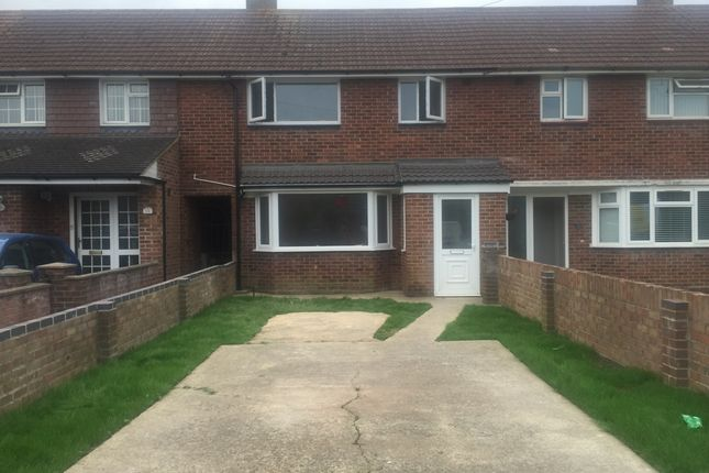 Thumbnail Terraced house to rent in Overton Crescent, Havant