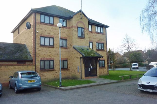 2 bed flat to rent in Wharf Road, Grays RM17