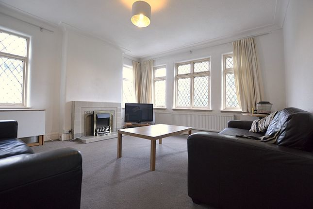 Thumbnail Flat to rent in Sefton Court, Headingley, Leeds