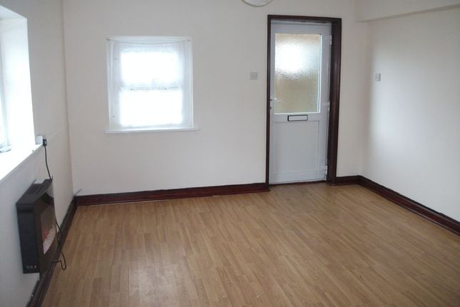 Thumbnail Flat to rent in Fore Street, Hayle