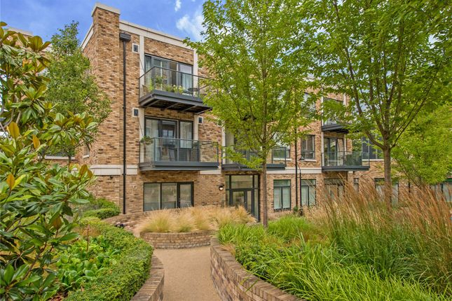 Thumbnail Flat for sale in Concord Court, Chiswick, London