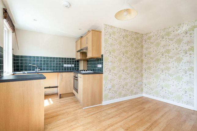 Thumbnail Flat to rent in Stanford Terrace, Station Approach West, Hassocks