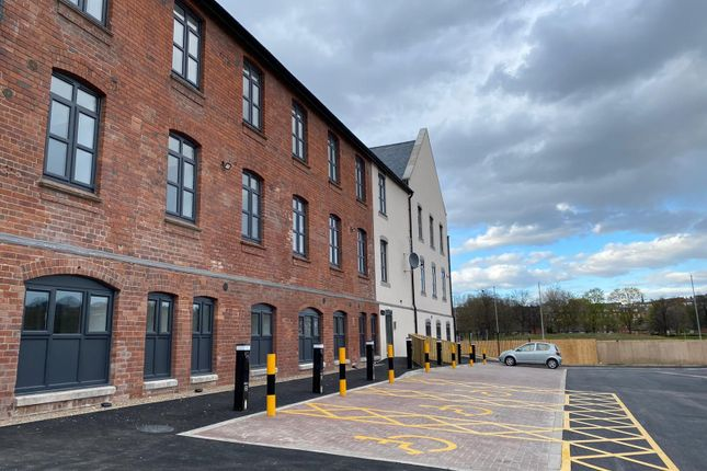 Thumbnail Duplex for sale in Kirkstall Road, Leeds