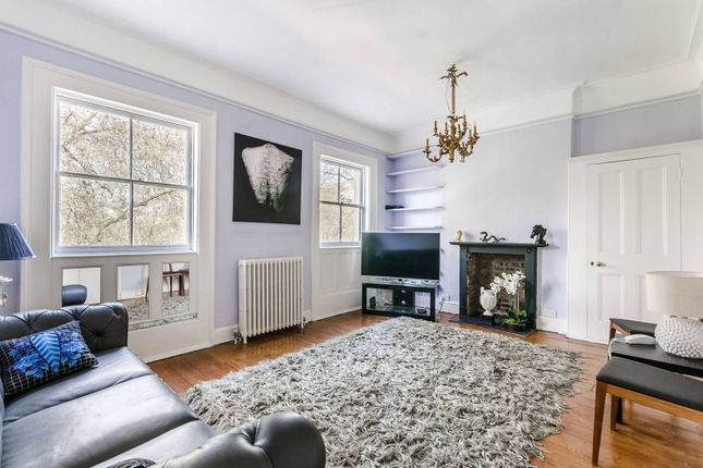 Thumbnail Maisonette to rent in Mecklenburgh Square, Bloomsbury, London