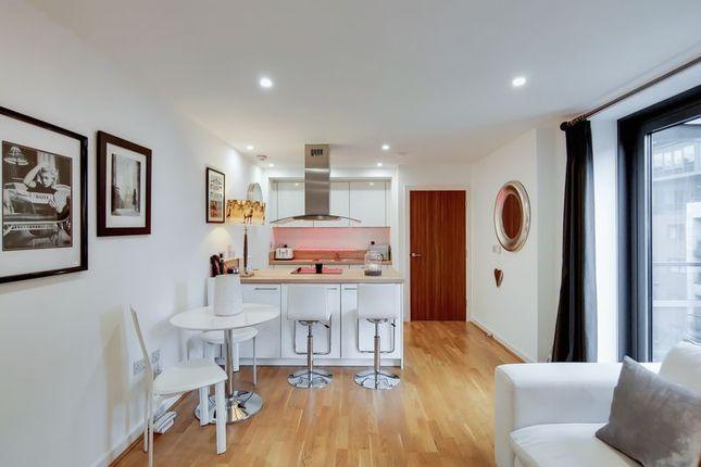 Flat for sale in Chartfield Avenue, London