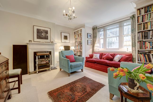 Thumbnail Property for sale in Earl's Court Square, London