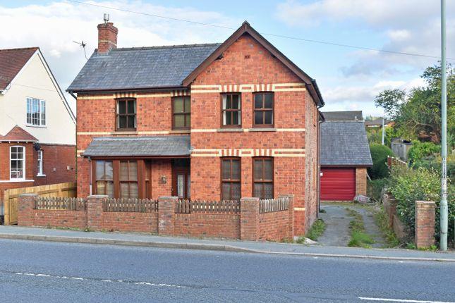 Thumbnail Detached house for sale in Wellington Road, Llandrindod Wells