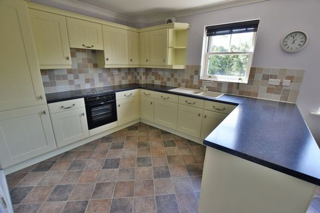 Thumbnail Town house to rent in Sterling Place, Woodhall Spa