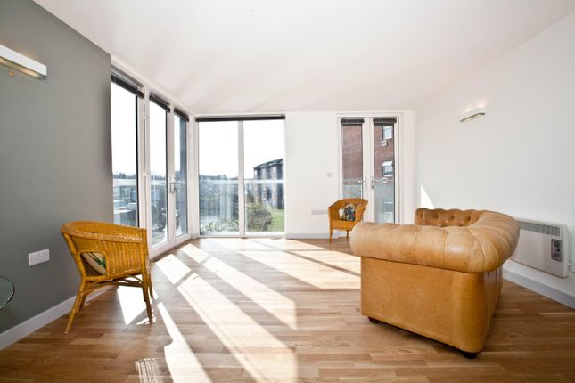 Thumbnail Flat to rent in 1-9 London Road, Brentford, Kew, London