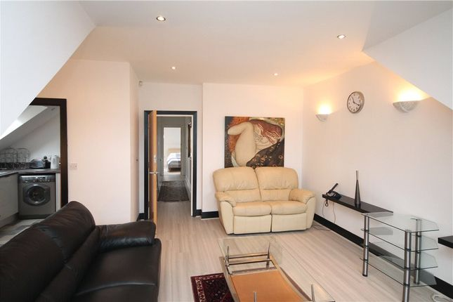 Thumbnail Flat to rent in Ross Road, South Norwood, London
