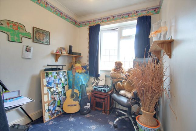 Picture No. 11 of Sian Close, Church Crookham, Fleet GU52