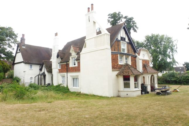 Thumbnail Property for sale in Fawns Manor Close, Feltham