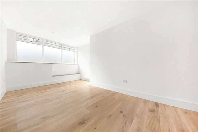 Picture No. 14 of Kit Apartments, 151 Camberwell New Road, Oval, London SE5
