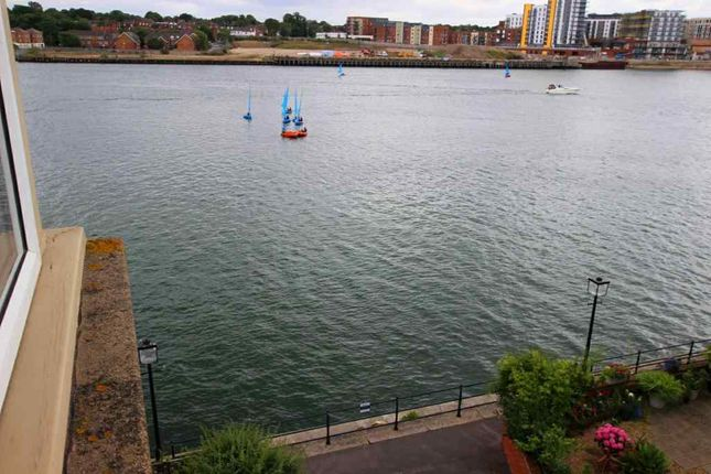 Thumbnail Flat for sale in Andes Close, Ocean Village, Southampton