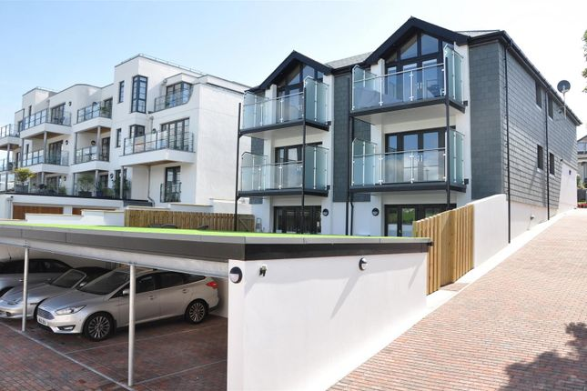 Thumbnail Flat for sale in North Parade, Falmouth