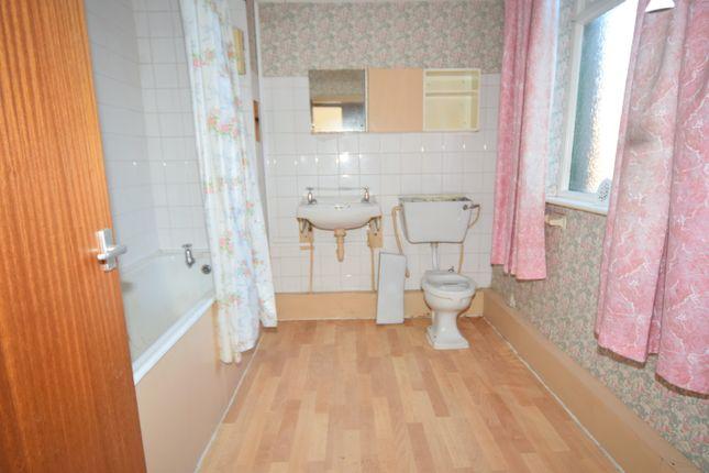 Bathroom of Robert Street, Barrow-In-Furness LA14