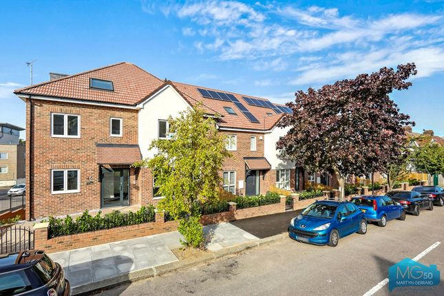 Thumbnail Terraced house for sale in Torrington Gardens, Bounds Green, London