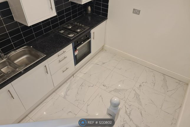 Thumbnail Flat to rent in Brook Road South, Brentford