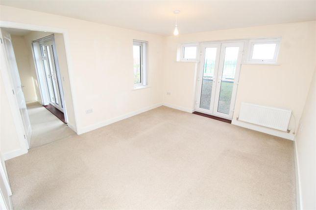 Living Room of Addington Avenue, Wolverton, Milton Keynes MK12